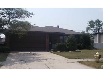 3 Bed 1 Bath Foreclosure Property in Lansing, IL 60438 - 191st St