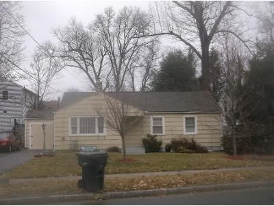 3 Bed 1.0 Bath Preforeclosure Property in Springfield, MA 01118 - Plumtree Rd