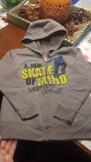 New without tags boys xsmall size 4/5 hoodie