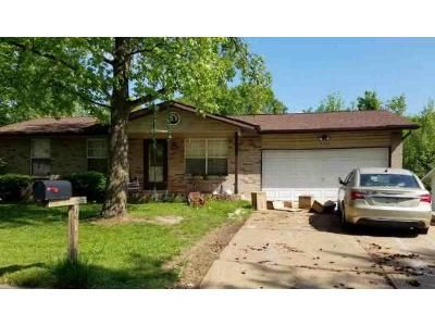 3 Bed 2 Bath Foreclosure Property in Imperial, MO 63052 - Charlay Dr