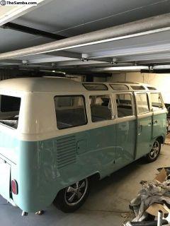 1966 21 window Deluxe microbus