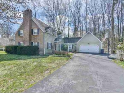 205 Sparkling Brook Drive Bristol Four BR, Be the envy of the