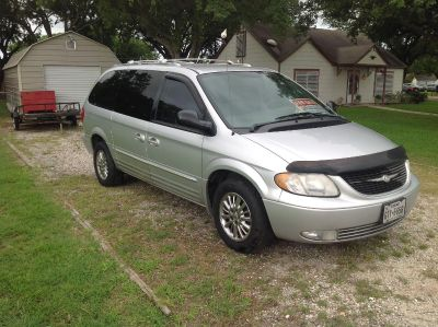 2003 Chrysler Town Country Limited
