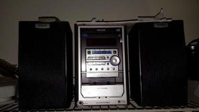 """""""AIWA"""" XR-M150 Micro Compact CD Player/Radio System with 2 Speakers & Remote. Virtual Stereo & Earphone Jack"""