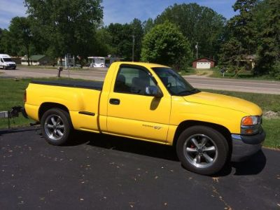 Find 2002 GMC Sierra GT pickup motorcycle in New Baltimore, Michigan, United States