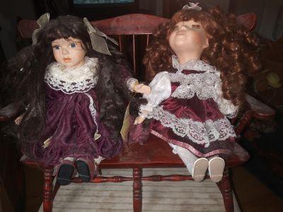 Porcelain wined up dolls