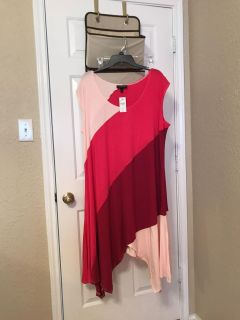 Women's dress. NWT. Size 22/24W from Lane Bryant. Flattering! $20