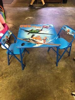 Kids plane table and chairs