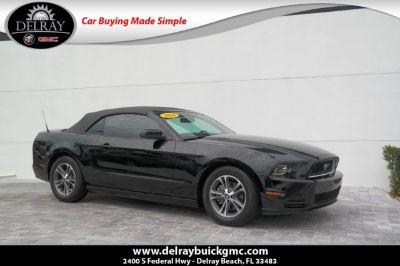 2013 Ford Mustang V6 (black)