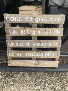 Seating sign pallet