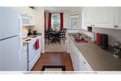 3 bedrooms Apartment - The in thriving Cary. Parking Available!