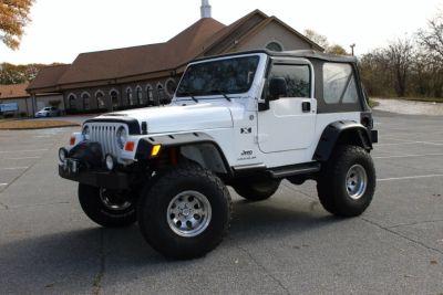 2005 Jeep Wrangler X (White)