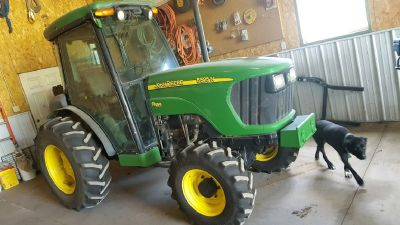 2008 John Deere 5525N for sale in Arberdeen, South Dakota.