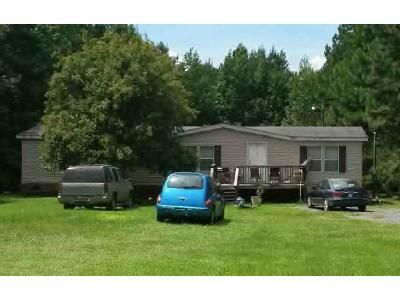 3 Bed 2 Bath Foreclosure Property in Kingstree, SC 29556 - Ike Mitchum Rd