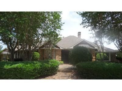 4 Bed 3.5 Bath Foreclosure Property in Duncanville, TX 75137 - Wind Ridge