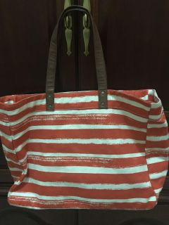 New tote bag with leather handles