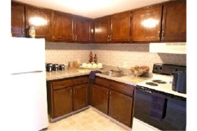 Apartment in move in condition in Warminster. $999/mo