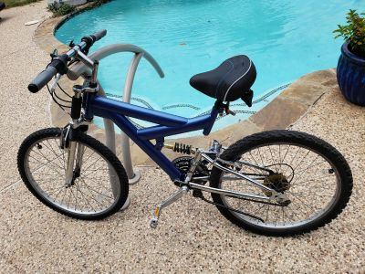 """This is a 24"""" inch guys blue & chrome bicycle"""