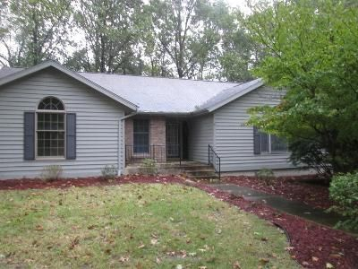 3 Bed 2 Bath Foreclosure Property in Plymouth, IN 46563 - Victoria Dr