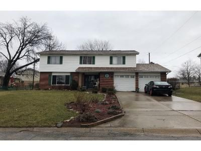 5 Bed 2 Bath Preforeclosure Property in Dayton, OH 45431 - Crestmont Dr
