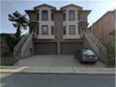 Three BR Townhouse - East Palisade Section