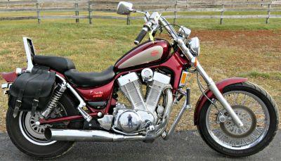 1993 Suzuki VS1400GLP Intruder Cruiser Motorcycles Marengo, IL
