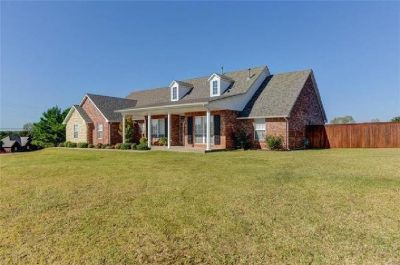 **2622ft-3 bed-2.5 bath-3 car garage on 1 acre -Choctaw Schools