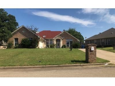 Preforeclosure Property in Keene, TX 76059 - John Thomas Dr