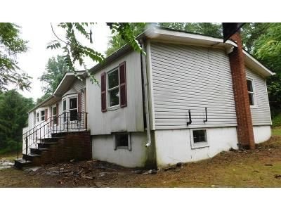 3 Bed 3 Bath Foreclosure Property in Columbia, NJ 07832 - Delaware Rd