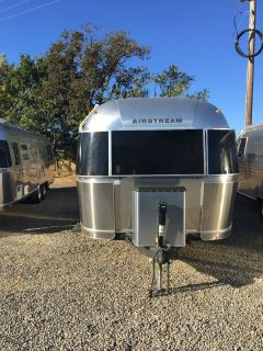 2005 Airstream International CCD 25 SS with Bunk