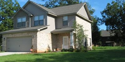 4 Bedroom Home with Hardwood Flooring in Brookhaven, Daphne!