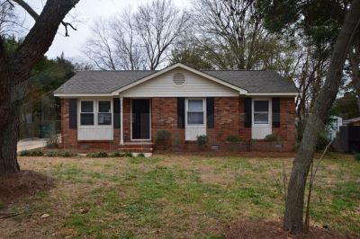 $900 3 apartment in Mecklenburg County