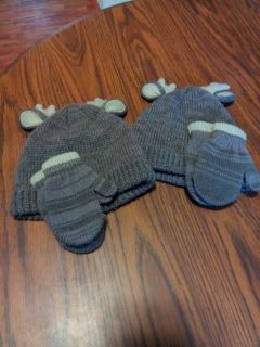 Set of hats and mittens