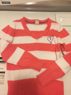 Size small (6/7) Old Navy sweater
