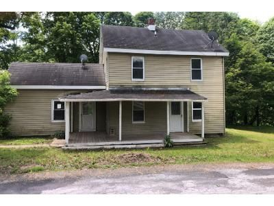 2 Bed 1.5 Bath Foreclosure Property in Hoosick Falls, NY 12090 - Baby Ln