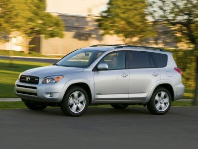 2012 Toyota RAV4 Base (Super White)