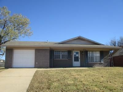 4 Bed 2 Bath Foreclosure Property in Lawton, OK 73501 - SE 41st St