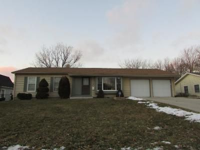 3 Bed Preforeclosure Property in Montgomery, IL 60538 - Cayman Dr