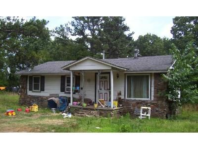 2 Bed 1 Bath Foreclosure Property in Dover, AR 72837 - Larue Ridge Rd