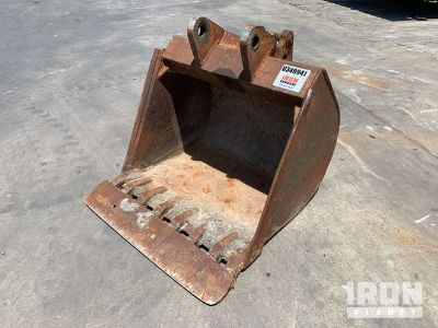 "36"" Rear Backhoe Bucket - Fits Case 580"