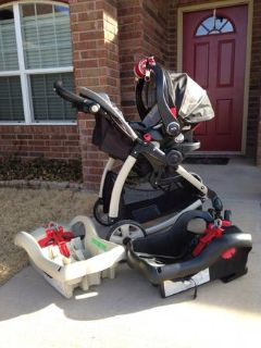 Car seat  stroller combo w two bases