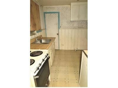 2 Bed 1 Bath Foreclosure Property in Roosevelt, NY 11575 - Grenada Ave