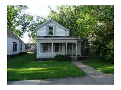 3 Bed 1 Bath Foreclosure Property in Clinton, IA 52732 - 6th Ave S