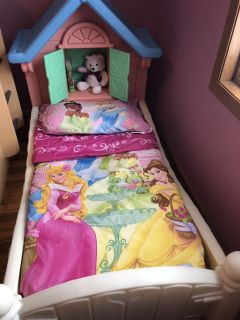 Girl toddler bed, with spring and mattress