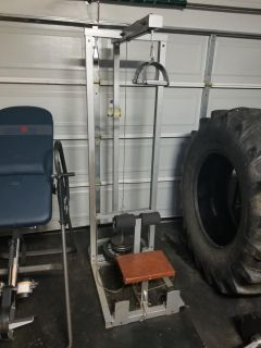 Lat pulldown/ low pulley row machine