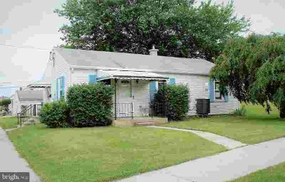 701 N Lincoln St Palmyra Three BR, Welcome to a quiet little