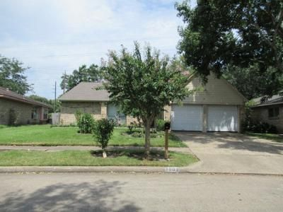 3 Bed 2 Bath Preforeclosure Property in Houston, TX 77082 - Finchley Dr