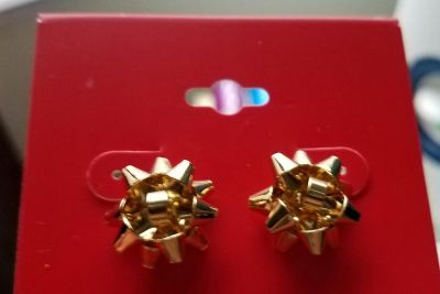 Christmas holiday bow earrings. Gold. New