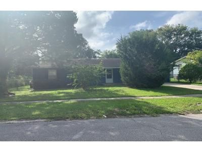 2 Bed 1 Bath Preforeclosure Property in Palatka, FL 32177 - N 17th St