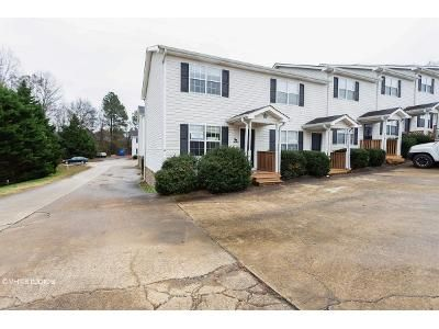 2 Bed 1.5 Bath Foreclosure Property in Ringgold, GA 30736 - Arrowhead Ln # A7